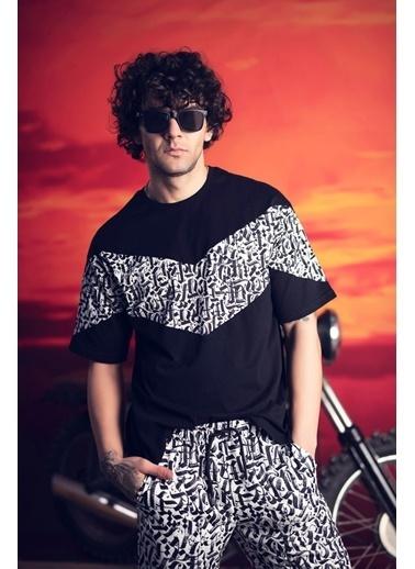 XHAN Siyah & Beyaz Desenli Şortlu Takım 1Kxe8-44756-86 Siyah